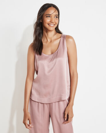Natural Luxe Curved Hem Tank